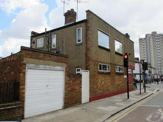 Detached House for sale in Barking Road, Plaistow