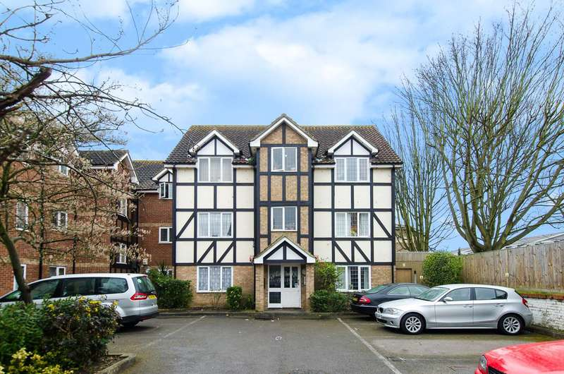 1 Bedroom Flat for sale in Lulworth Crescent, Mitcham, CR4