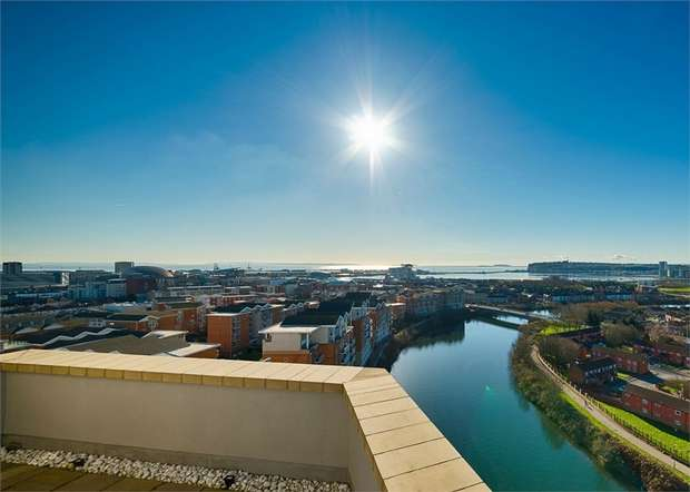 2 Bedrooms Flat for sale in Marseille House, Hansen Court, Century Wharf, Cardiff