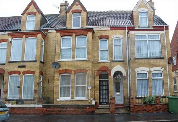 5 Bedrooms Terraced House for sale in Young Street, Withernsea, East Riding of Yorkshire