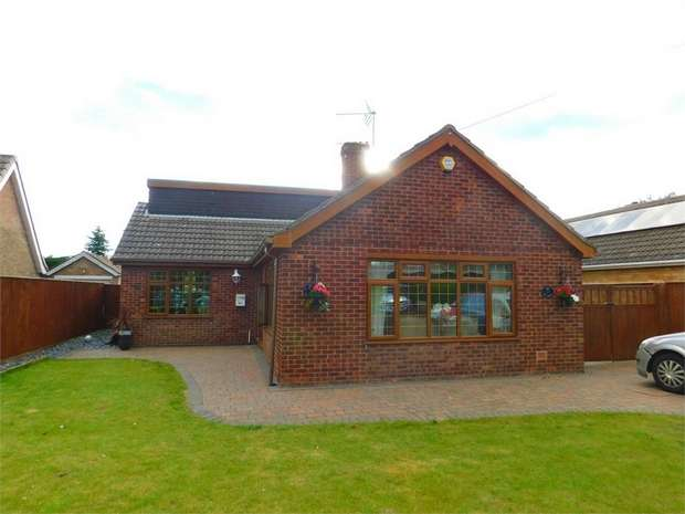 4 Bedrooms Detached House for sale in Lindsey Drive, Holton-le-Clay, Grimsby, Lincolnshire