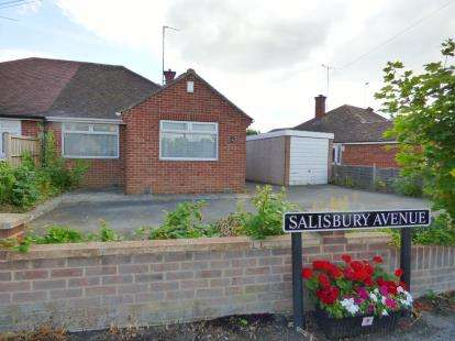 2 Bedrooms Bungalow for sale in Salisbury Avenue, Cheltenham, Gloucestershire