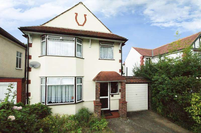3 Bedrooms Detached House for sale in Beechcroft Gardens, Wembley