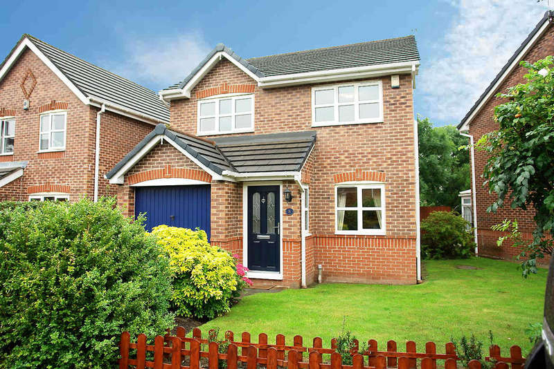 3 Bedrooms Detached House for sale in 8 Brackenwood Close, Royton