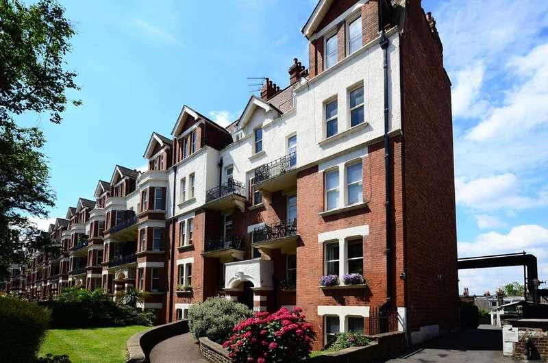 4 Bedrooms Flat for sale in Harvard Court, Honeybourne Road, West Hampstead, NW6