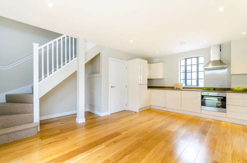 2 Bedrooms House for sale in Hamilton Road, Twickenham, TW2