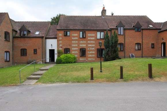 2 Bedrooms Flat for sale in Penny Hill, Collingbourne Ducis, Marlborough