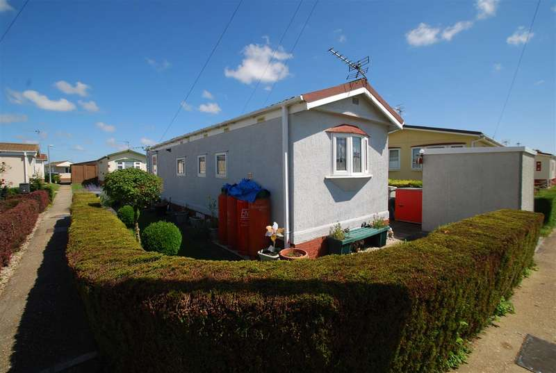 1 Bedroom Bungalow for sale in Madison Square, Whitehaven Park, Sea Lane, Ingoldmells