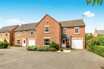 4 Bedrooms Detached House for sale in Purser Drive, Warwick, .