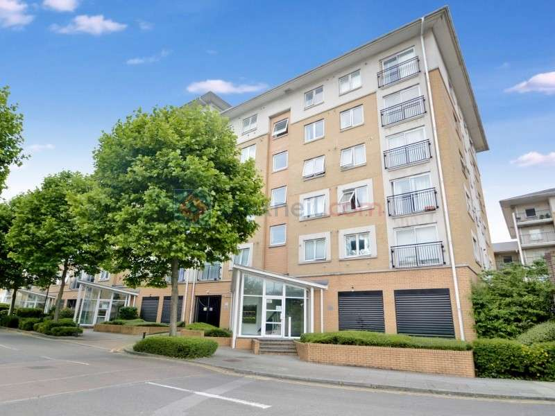 2 Bedrooms Flat for sale in Newport Avenue, Docklands E14