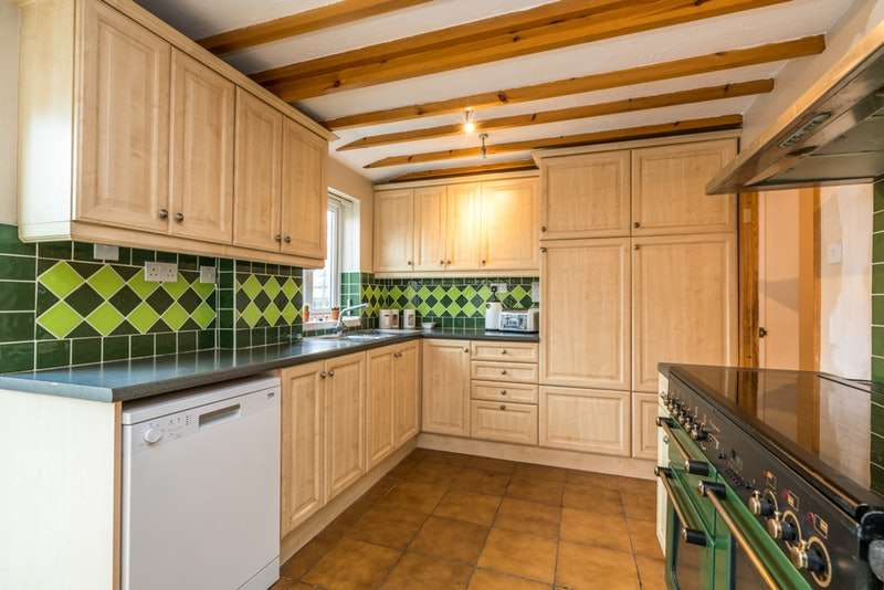4 Bedrooms Semi Detached House for sale in Sunbower Avenue, Dunstable, Bedfordshire, LU6