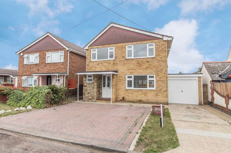 3 Bedrooms Detached House for sale in Tilburg Road, Canvey Island, SS8