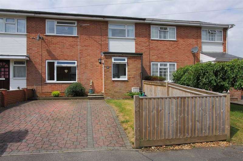 3 Bedrooms Terraced House for sale in Poultons Close, Overton