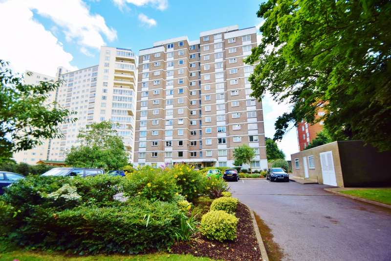 3 Bedrooms Flat for sale in Bournemouth