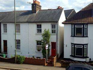 3 Bedrooms Semi Detached House for sale in West Road, Reigate, Surrey