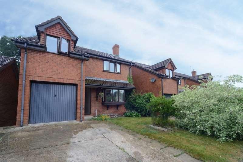 4 Bedrooms Detached House for sale in Wren Gardens, Fordingbridge, Hampshire, SP6