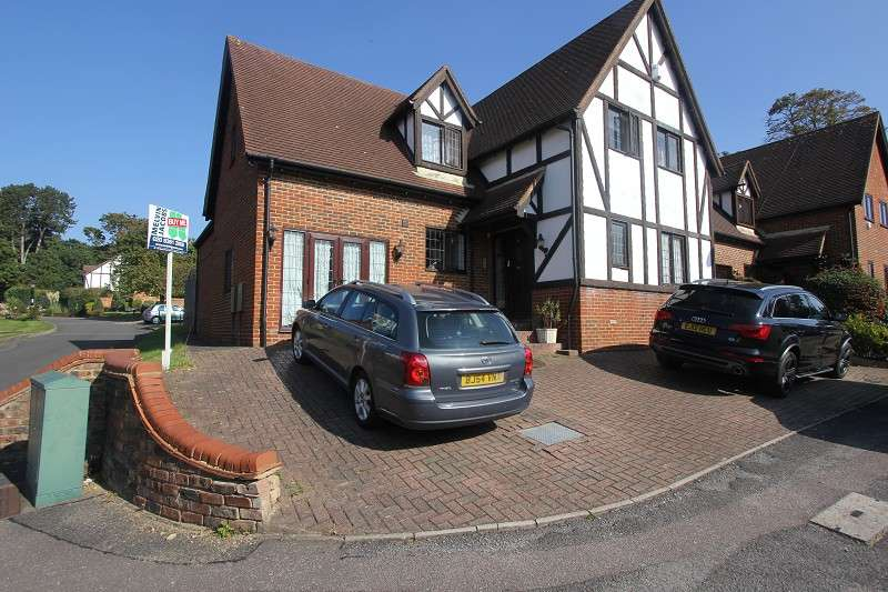 5 Bedrooms Detached House for sale in Priory Field Drive, Edgware, Middx. HA8 9PU