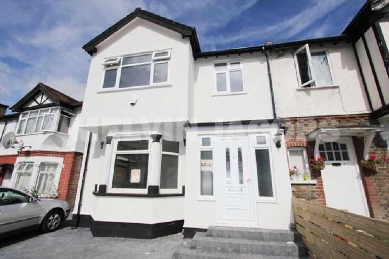 2 Bedrooms Maisonette Flat for sale in Flat 1 - Manor Park Crescent, Edgware, Greater London. HA8 7NN