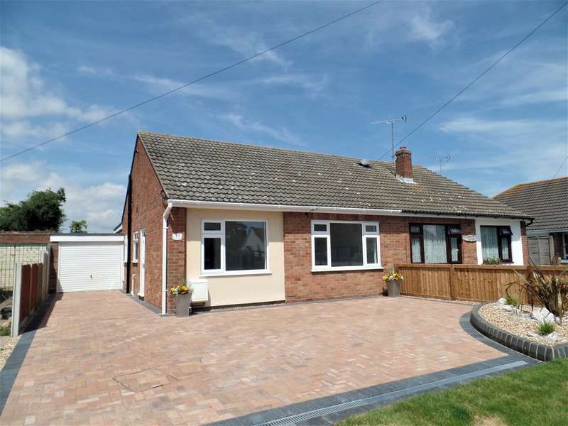3 Bedrooms Semi Detached Bungalow for sale in Feverills Road, Little Clacton