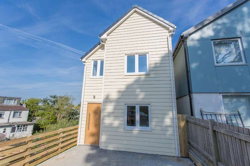4 Bedrooms Detached House for sale in Bevendean Road, Brighton
