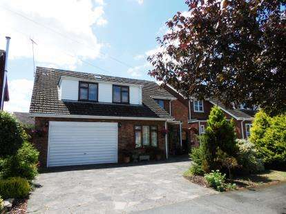 6 Bedrooms Detached House for sale in Billericay, Essex