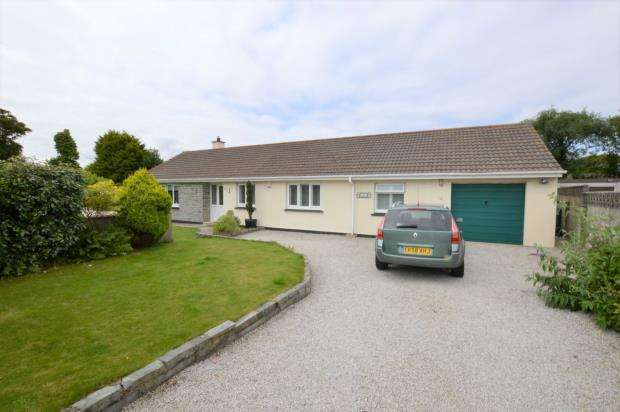 4 Bedrooms Detached Bungalow for sale in Roseland Park, Camborne, Cornwall