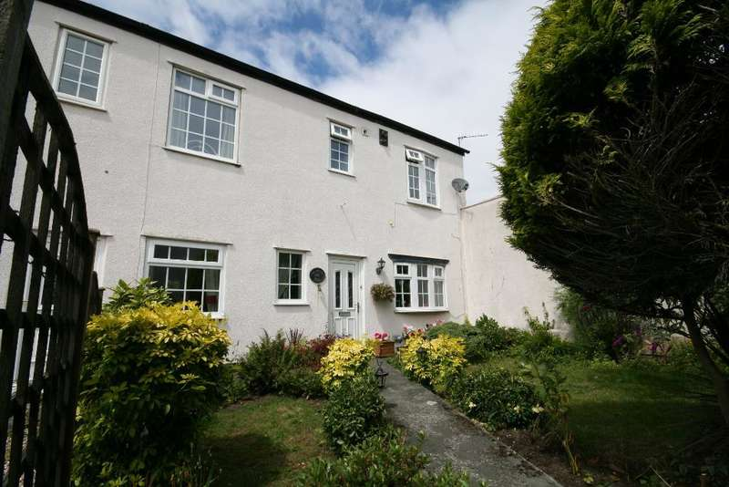 2 Bedrooms Semi Detached House for sale in Sussex Road, Southport, PR9 0SP