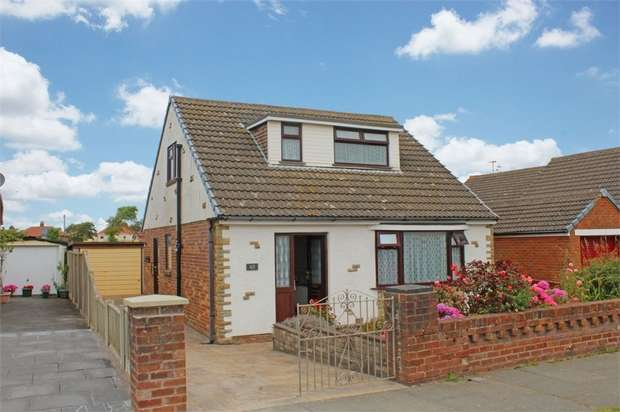 3 Bedrooms Detached Bungalow for sale in Wilson Square, Thornton-Cleveleys, Lancashire