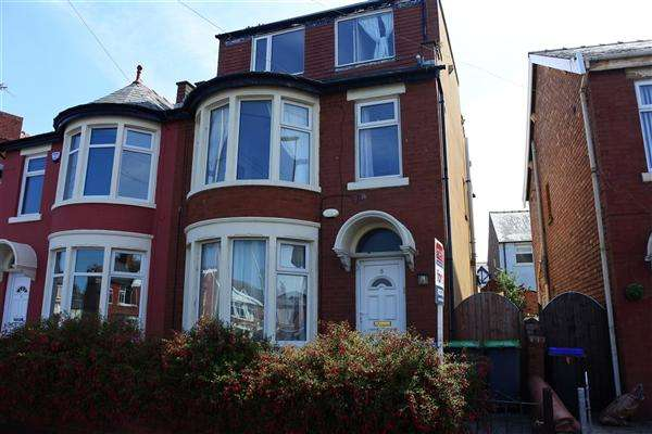4 Bedrooms Semi Detached House for sale in Ansdell Road, Blackpool
