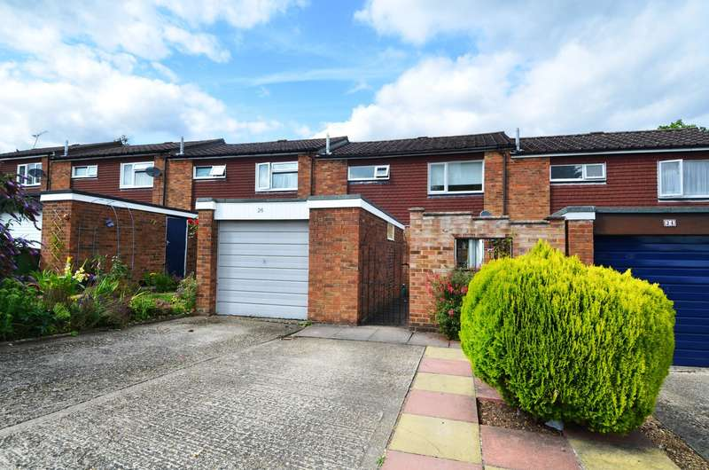3 Bedrooms Terraced House for sale in St Hildas Way, Flackwell Heath, HP10