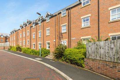 2 Bedrooms Flat for sale in Archers Court, Nevilles Cross, Durham, County Durham, DH1