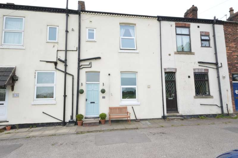 4 Bedrooms Terraced House for sale in Westfield View, Wakefield
