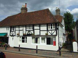 4 Bedrooms Semi Detached House for sale in High Street, Robertsbridge, East Sussex, 22 High St