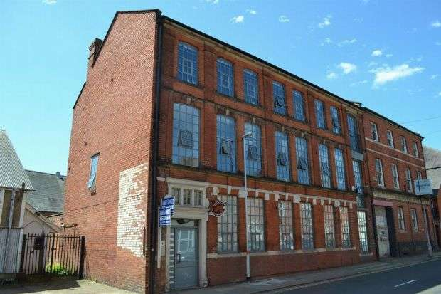 2 Bedrooms Flat for sale in St Michaels Road, The Mounts, Northampton NN1 3JU