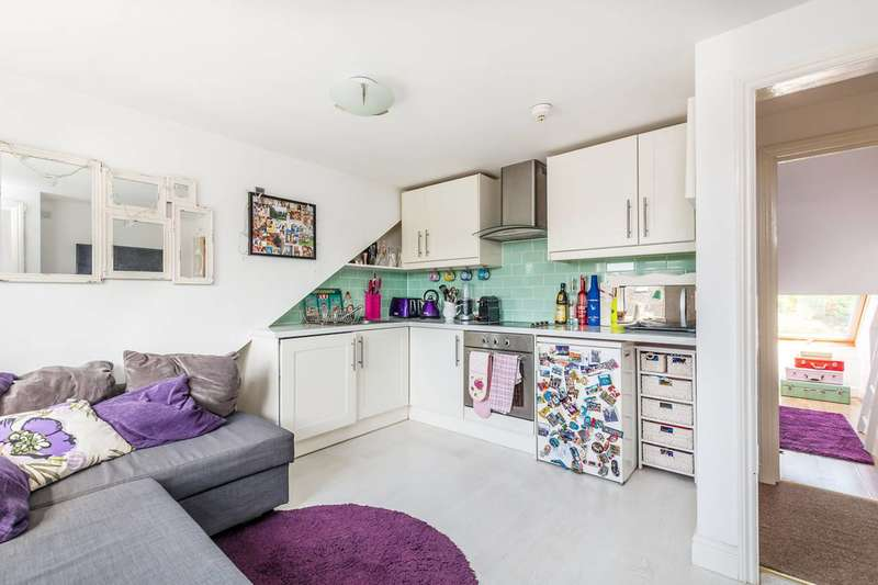 1 Bedroom Flat for sale in Kneller Road, Twickenham, TW2