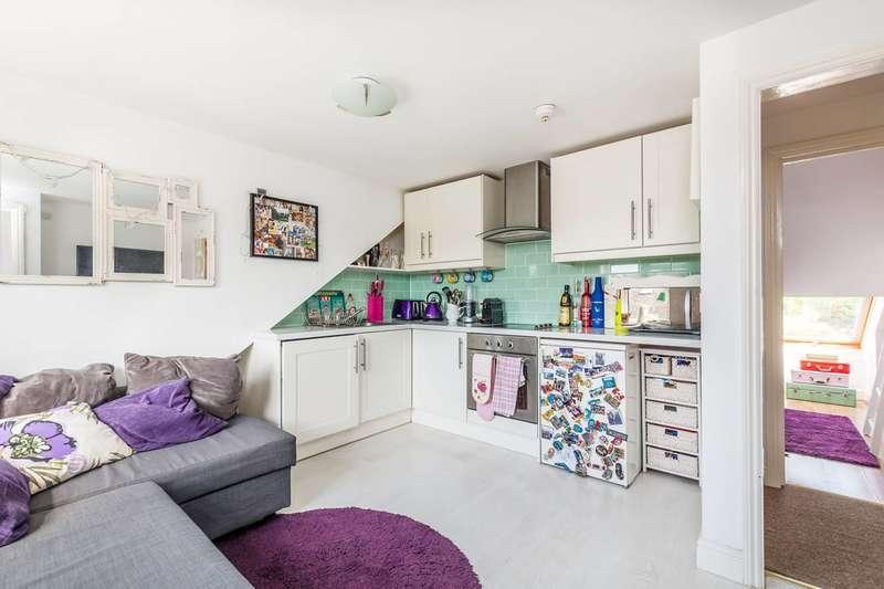 1 Bedroom Flat for sale in Kneller Road, Twickenham, TW2