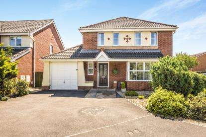4 Bedrooms Detached House for sale in Ivy Gardens, Thornton-Cleveleys, FY5