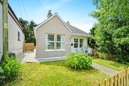 3 Bedrooms Bungalow for sale in Fraddon, St. Columb, Cornwall