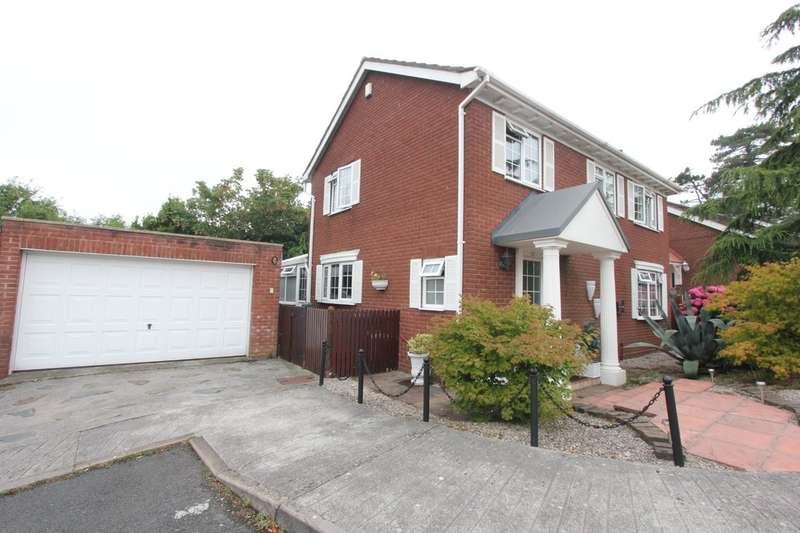 4 Bedrooms Detached House for sale in Underidge Drive, Paignton