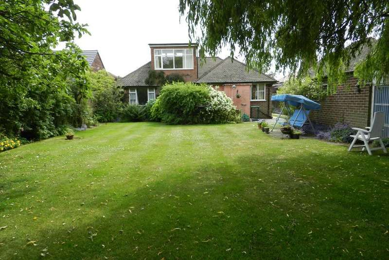 2 Bedrooms Bungalow for sale in Myddleton Lane, Winwick, Warrington, WA2 8LR