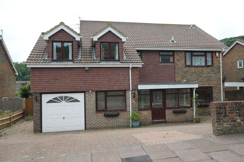 5 Bedrooms Detached House for sale in Cranborne Avenue, Eastbourne, BN20 7TT