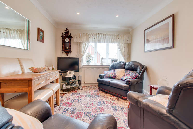 1 Bedroom Flat for sale in St Albans Court, Wickersley