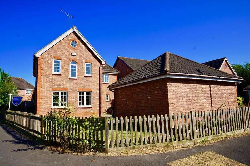 4 Bedrooms Detached House for sale in Upmill Close, West End, Southampton, SO30 3HT