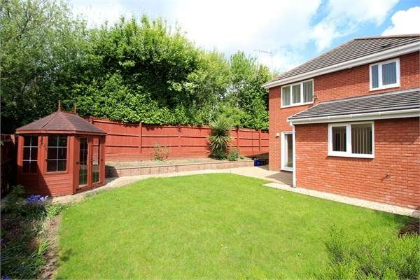 3 Bedrooms Detached House for sale in Court Meadow, Langstone, Newport, NP18