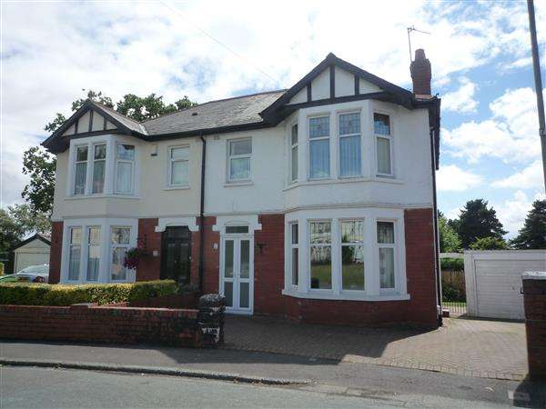 3 Bedrooms House for sale in Heathwood Grove, Heath, Cardiff
