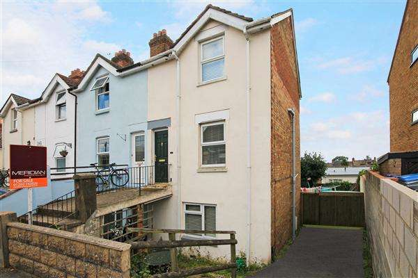 3 Bedrooms Town House for sale in Salisbury Road, Poole