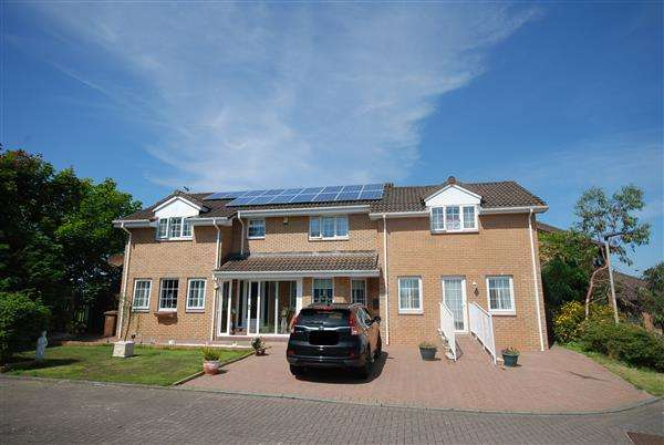 6 Bedrooms Detached House for sale in Hawkhill Drive, Stevenston