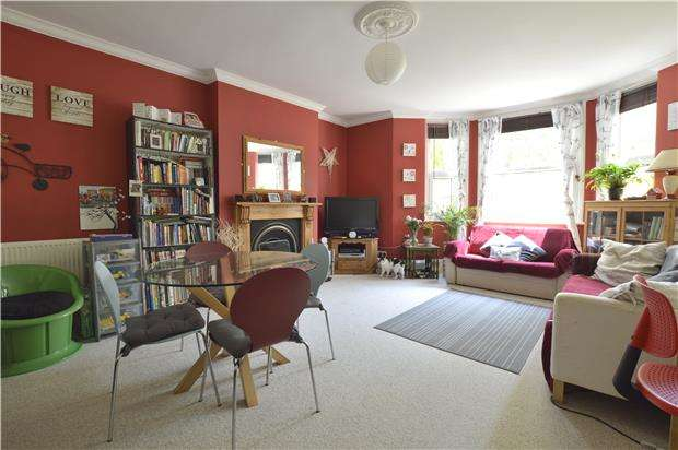 2 Bedrooms Flat for sale in Anglesea Terrace, ST LEONARDS, TN38 0QS