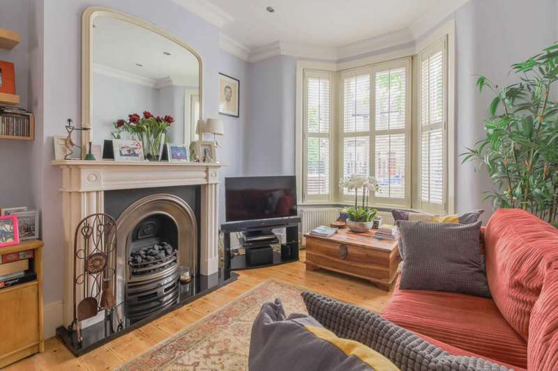4 Bedrooms Terraced House for sale in Malta Road, Leyton, E10