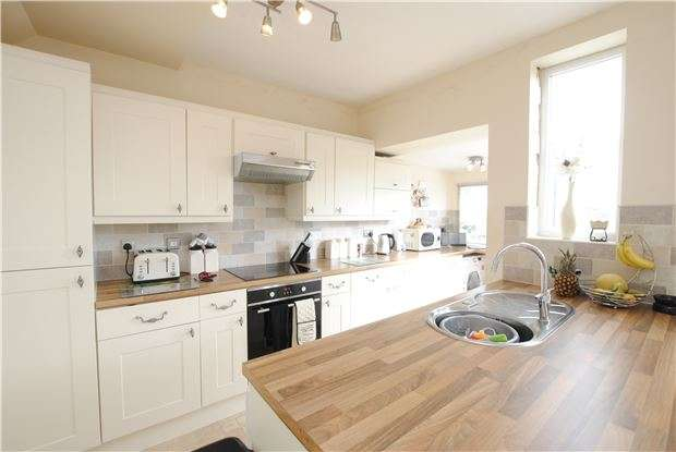 3 Bedrooms Semi Detached House for sale in Eastlyn Road, Bedminster Down, Bristol, BS13 7HY